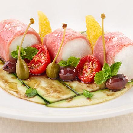 Sushi alla mediterranea su zucchine marinate alla scapece